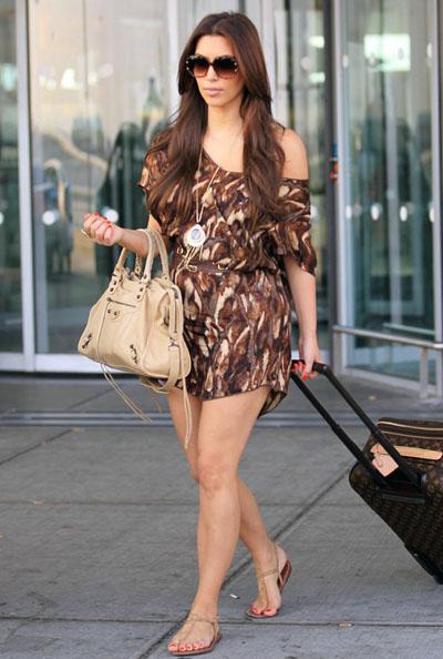 Kim-Kardasijan-Balenciaga-torba-002
